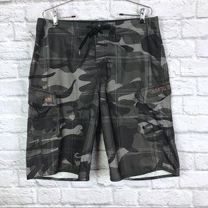 Quicksilver Men's Boardshorts Gray Camo size 33